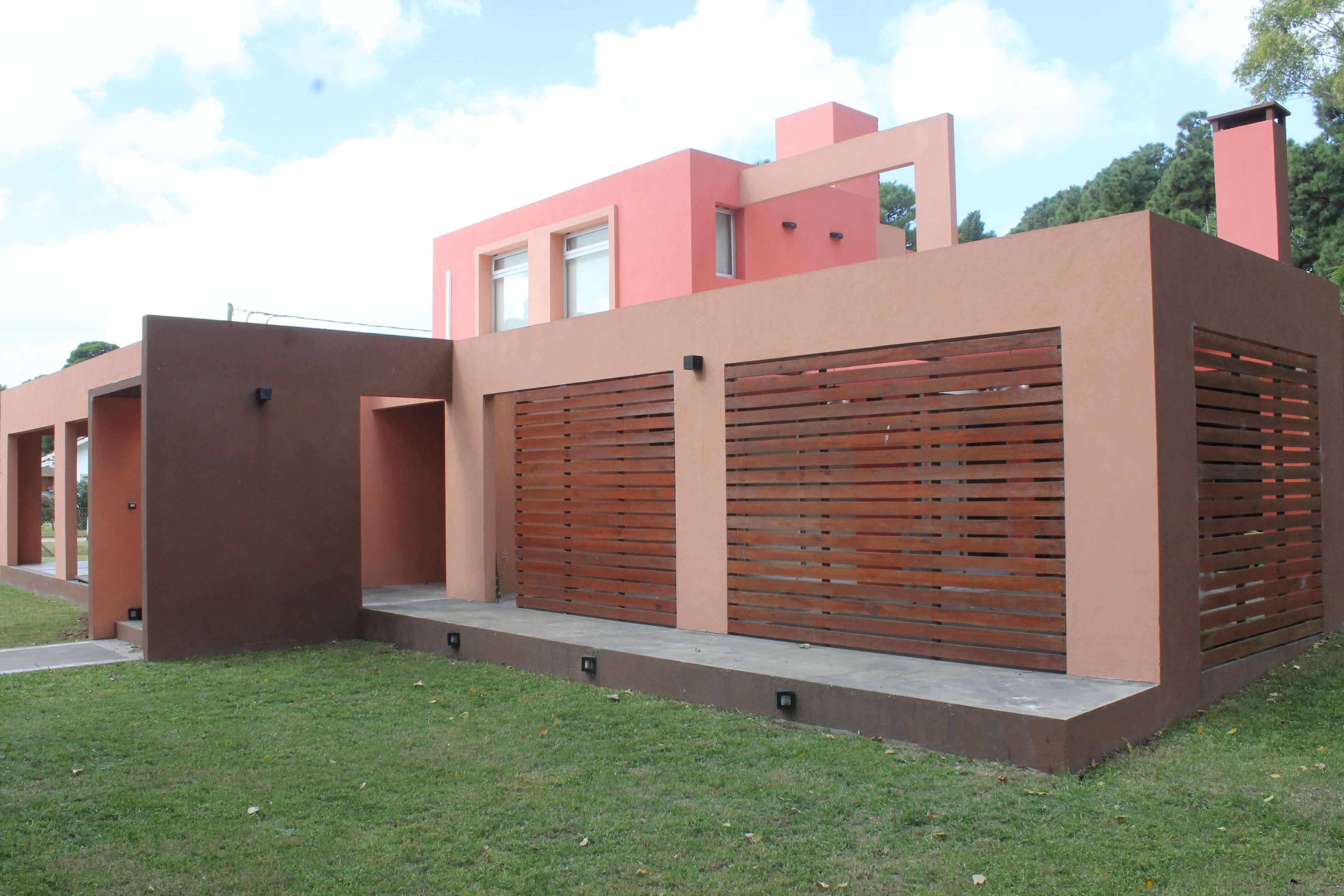 Morrongiello Propiedades - Hermosa casa en venta sobre Robinson Crusoe esquina Gulliver